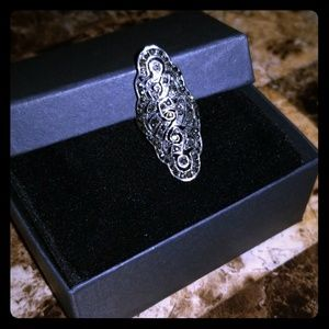 Jewelry - Sterling silver studded ring